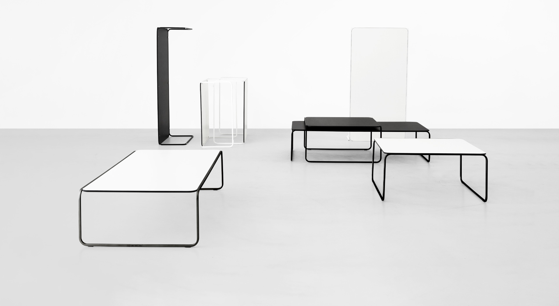 TOÈ: metal designer coffee table – Lapalma