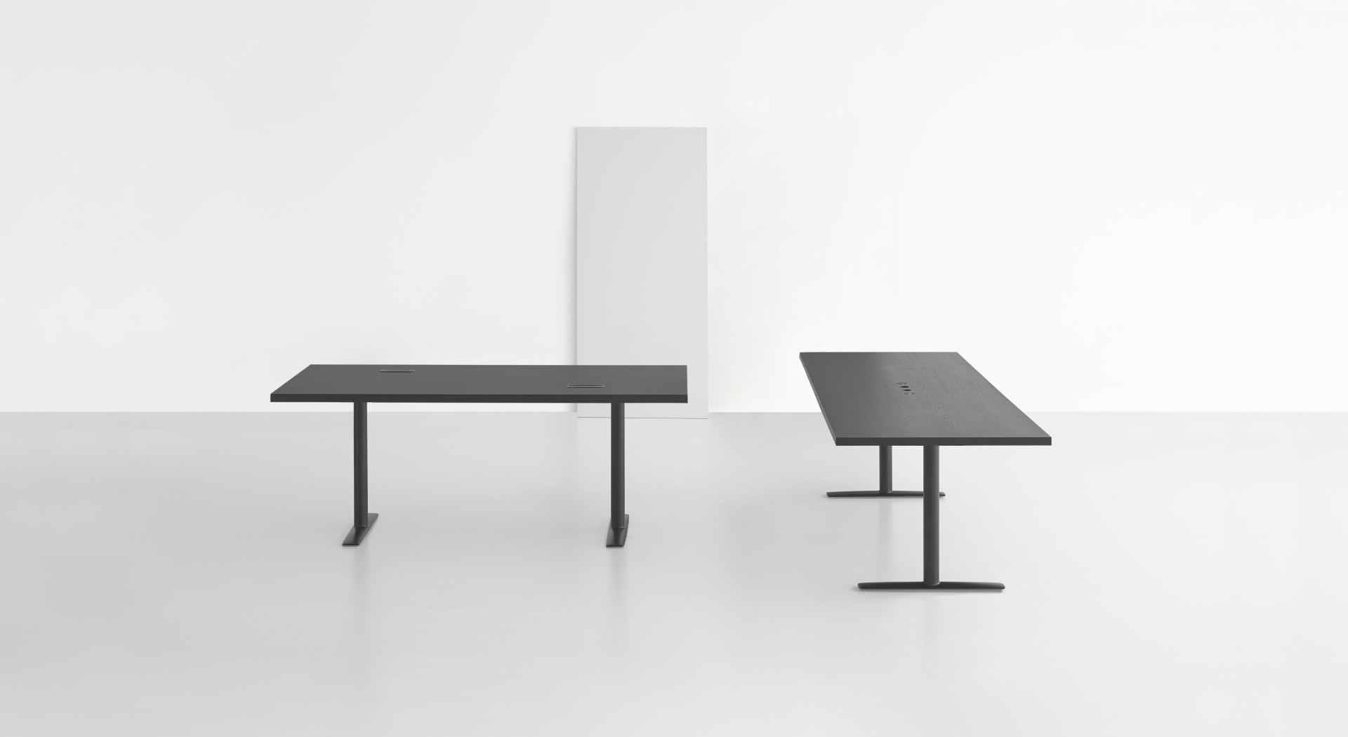 Tavolo Di Ufficio : Acca: tavoli di design per lufficio u2013 lapalma